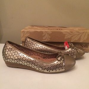 Sofft Selima ii Gold flat womens shoes 6.5